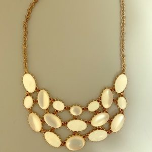 Francesca's white & gold statement necklace